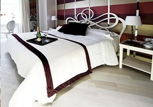 300x210_luxuryhotelcaravita